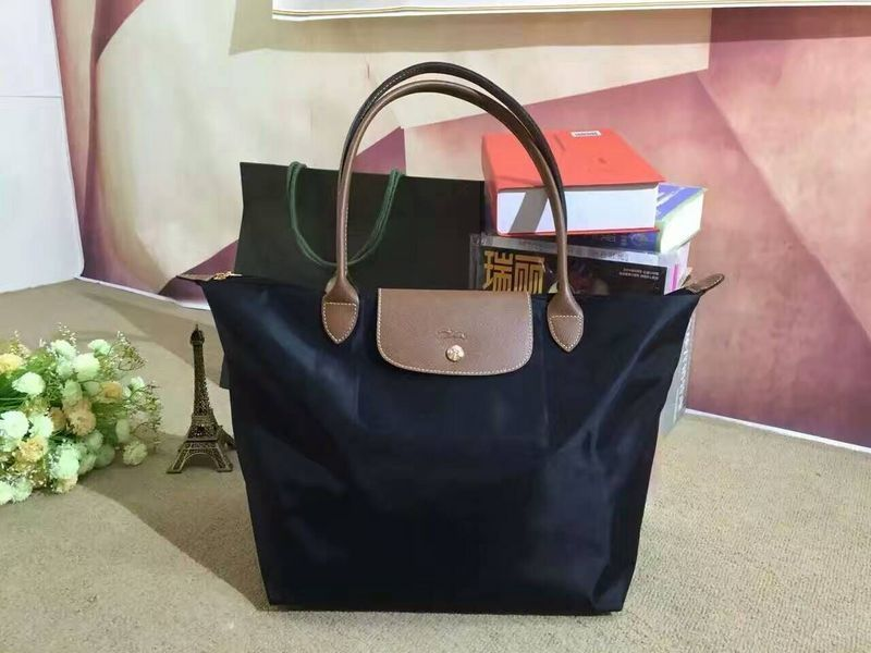 How to find the best branded bags online?